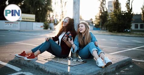 """«SapoLifestyle – Artigo opinião» """"As relações de amizade nas Perturbações do Espetro do Autismo no feminino""""– Dra. Inês Leitão"""